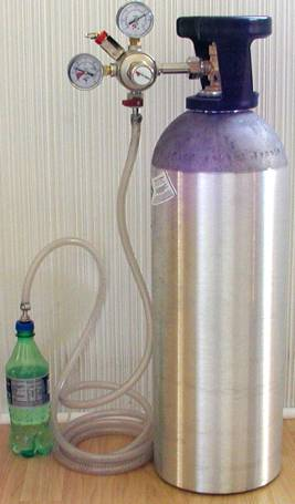 Carbonating at Home with Improvised Equipment and Soda Fountains